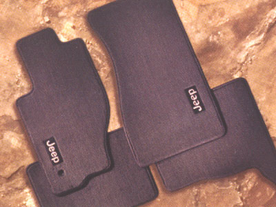 2006 Jeep Commander Premium Carpet Floor Mats